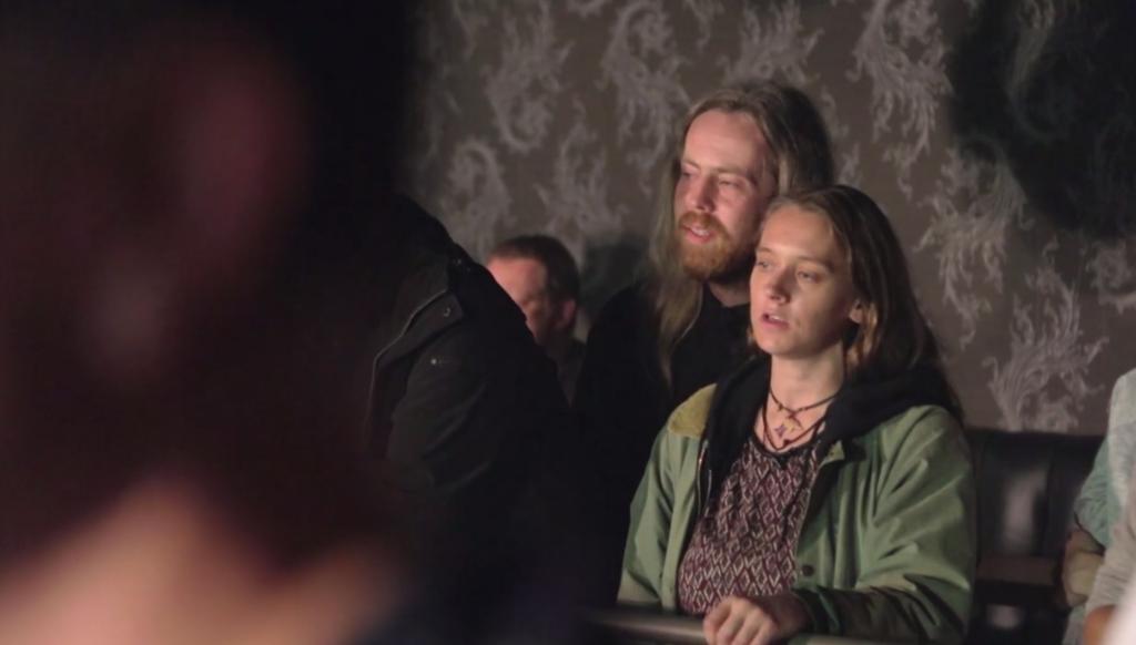 "Anna med pojkvännen hon mötte i ""The family"". Foto: SVT"