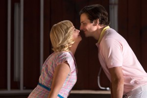 Amy Poehler och Bradley Cooper driver lägrets teatergrupp.