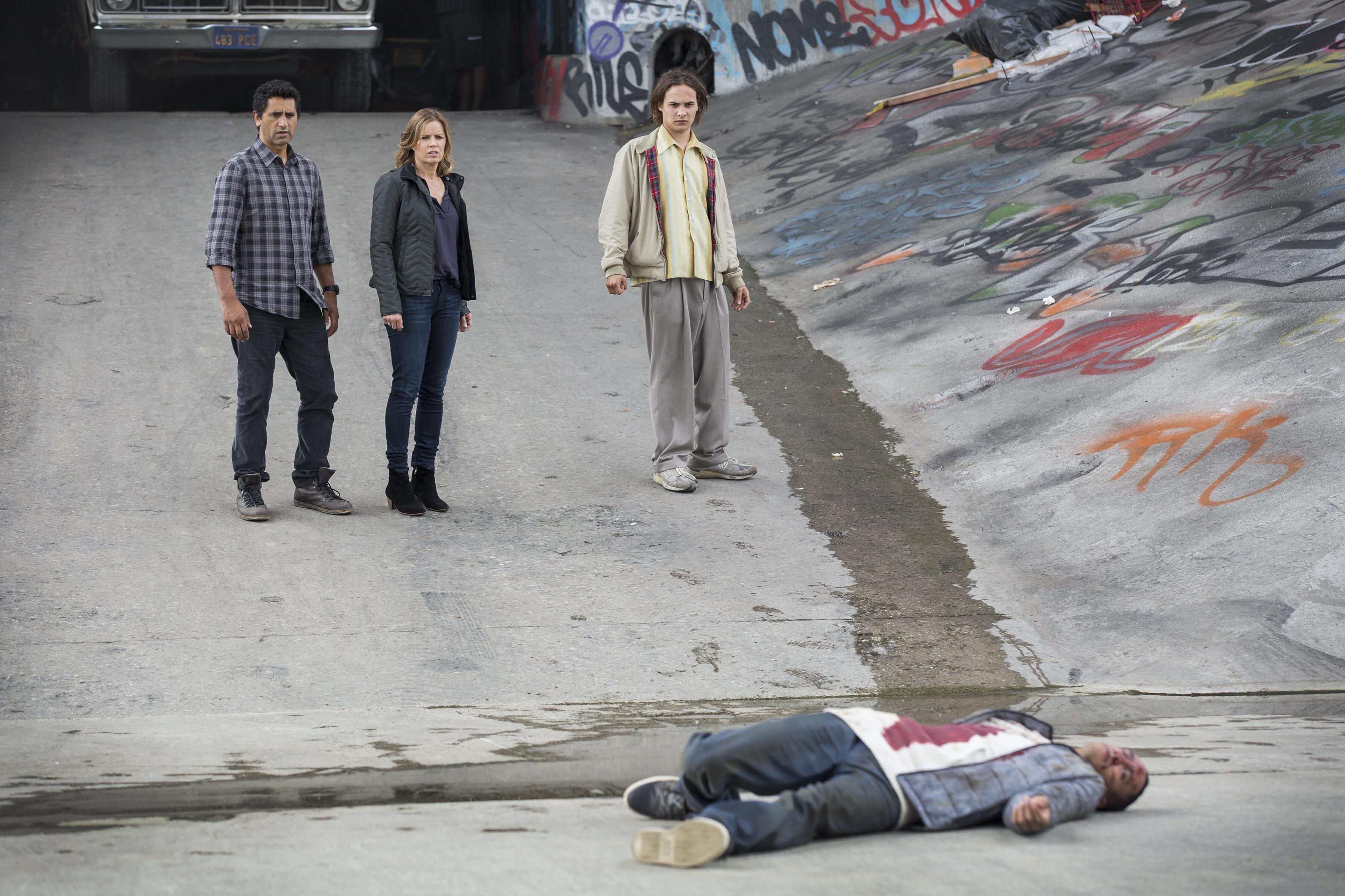 fear-the-walking-dead-promo-pic-82