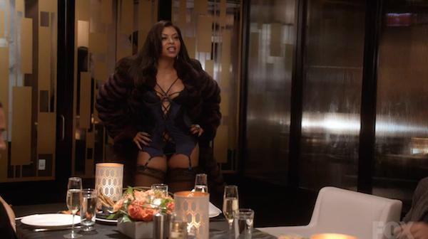 Cookie Lyon (Taraji P Henson) visar var skåpet ska stå.