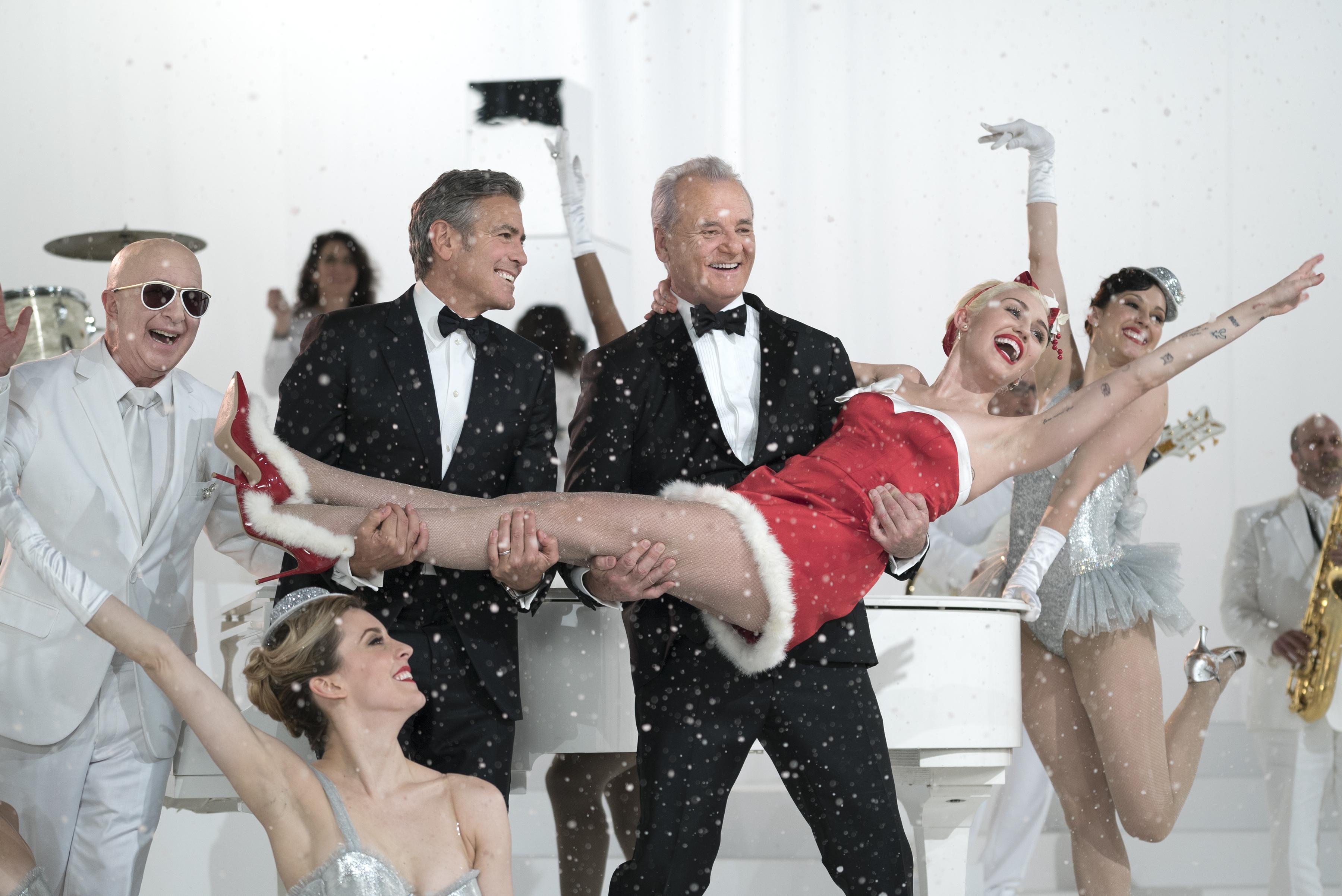 Murray tillsammans med Clooney och Cyrus. Foto: Netflix