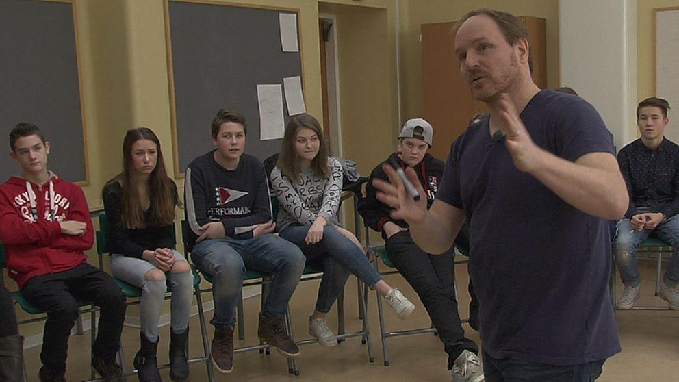 Morgan Alling i klass 8c. Foto: SVT