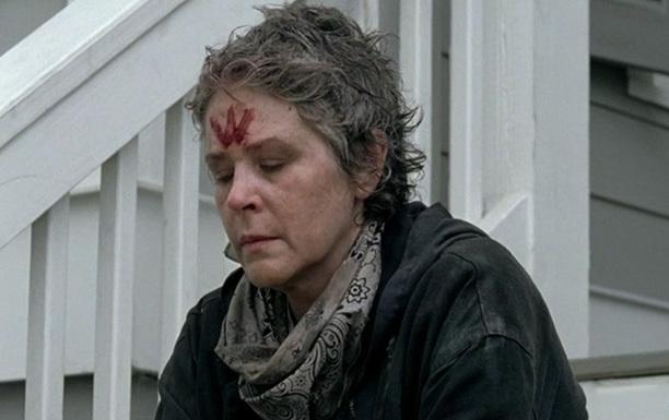 Carol fäller en tår.