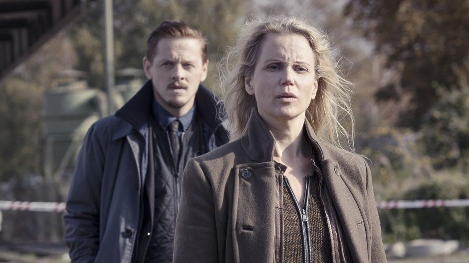"Henrik (Thure Lindhardt) och Saga (Sofia Helin) i ""Bron"". Foto: SVT"