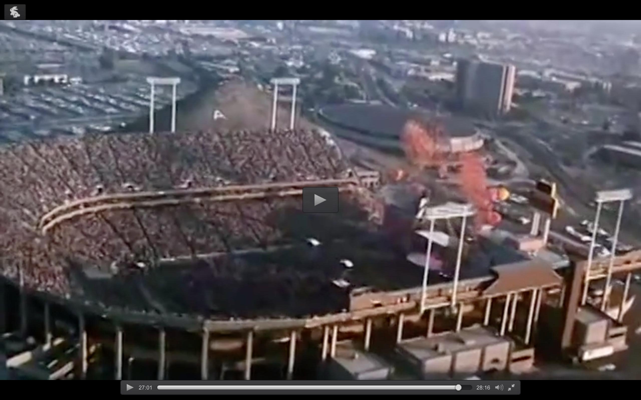 """Under en Rolling Stones-konsert 1982 i VästBerlin släpptes en mängd ballonger. Det sådde fröet till 80-tals hiten """"99 luftballons""""."""