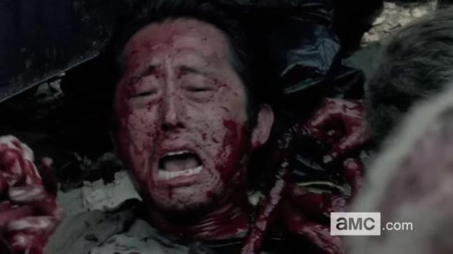 Det var så här vi lämnade Glenn (Steven Yeun) för fyra avsnitt sedan....