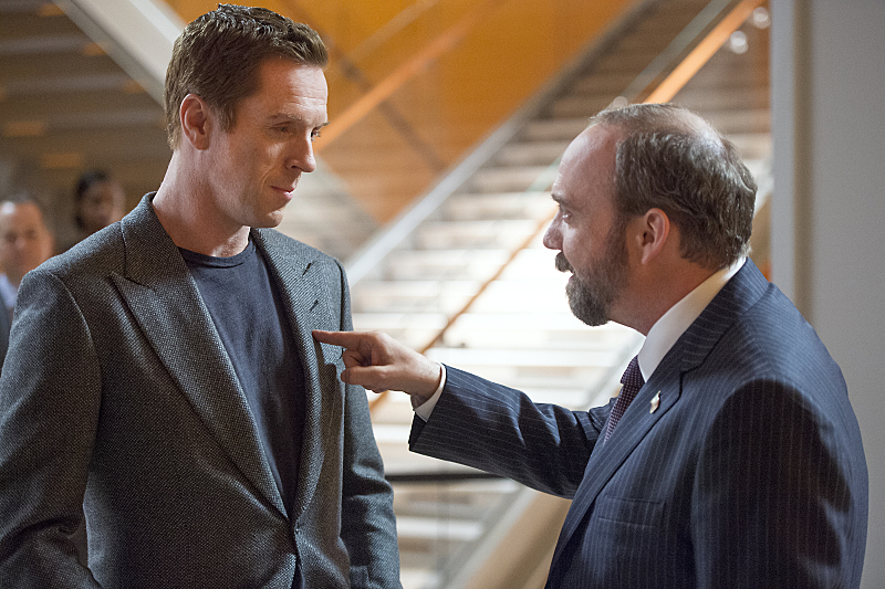 "Damian Lewis as Bobby ""Axe"" Axelrod and Paul Giamatti as Chuck Rhoades in Billions (Season 1, Episode 1). - Photo: JoJo Whilden/SHOWTIME - Photo ID: Billions_101_5107.R"