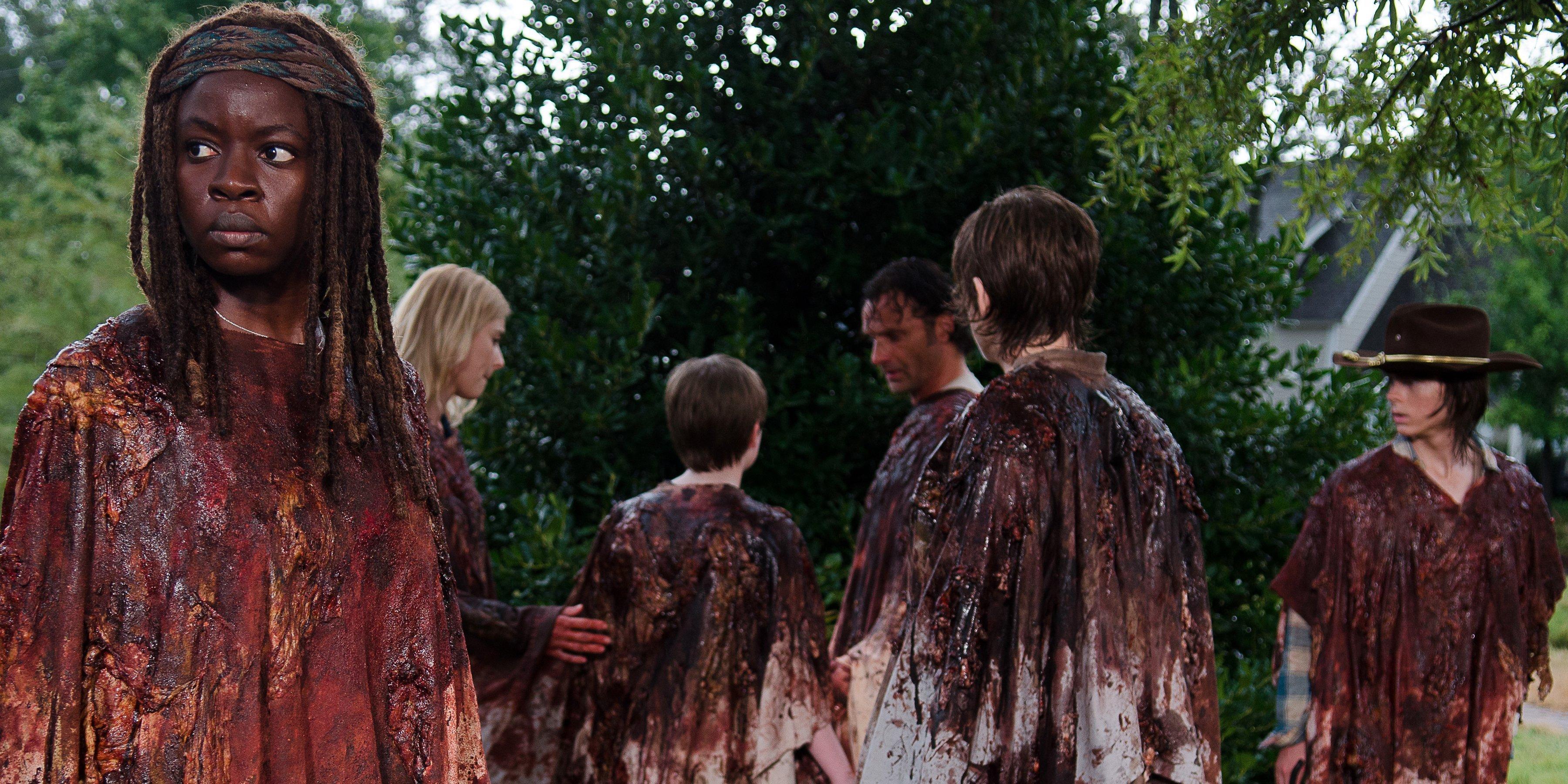 Ute på en blodig promenad... Michonne är skeptisk.