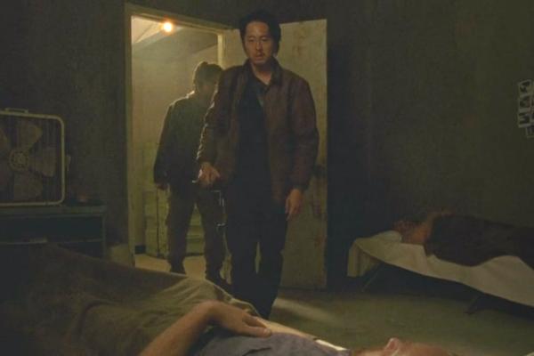 Glenn laddar för att döda sin första människa.