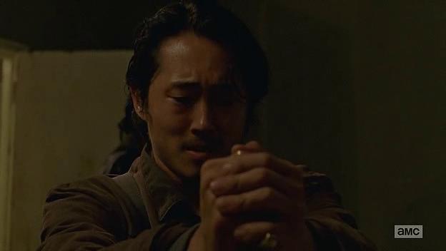 En plågad Glenn dödar sin första människa.