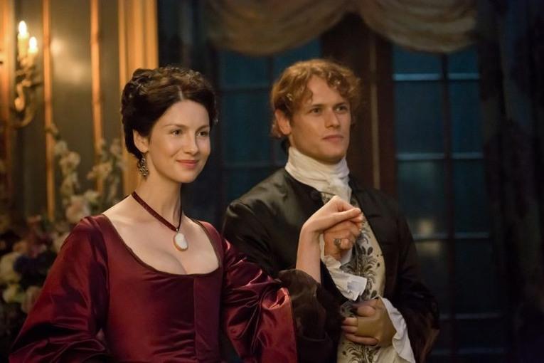 outlander-season-2-claire-fraser-caitriona-balfe-jamie-fraser-sam-heughanjpg-19bf0c_765w