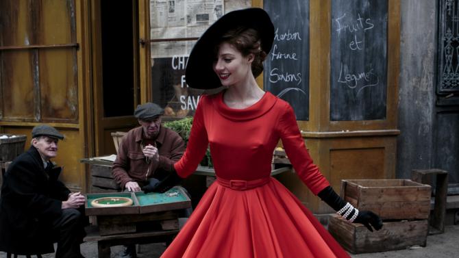 Nina (Jenna Thiam). Foto: BBC Worldwide