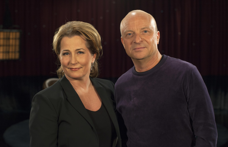 Anna Hedenmo och Jonas Gardell. Foto: David Herngren/SVT