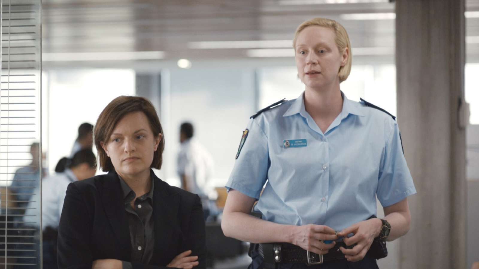 "Elisabeth Moss och Gwendoline Christie i ""Top of the lake: China girl""."
