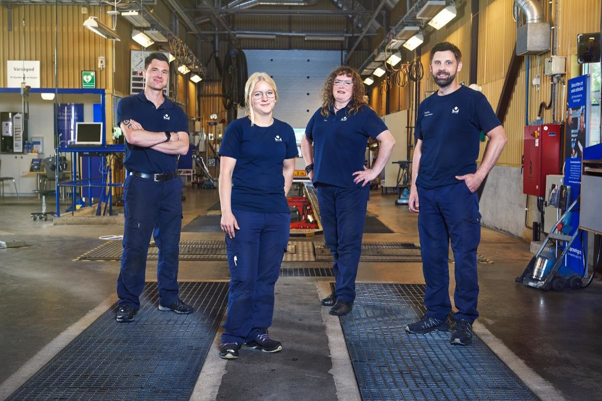 """Kent, Sandra, Ylva och Fredrik i """"Bilprovningen"""". Foto: Johnny Wohlin/TV3."""